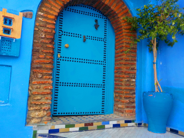 w Iván Gámez Puerta azul