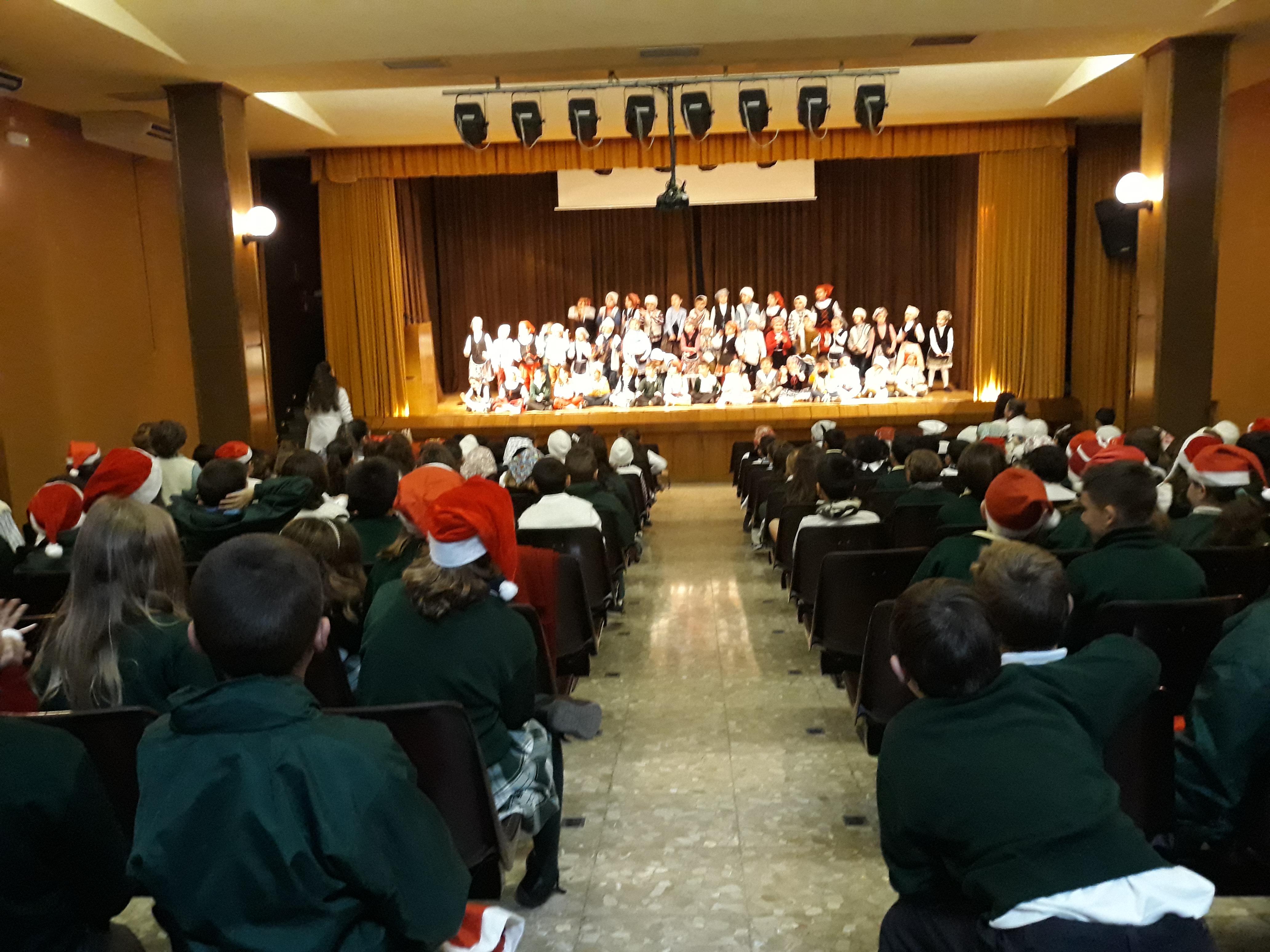 El 1er y 2º ciclo de Educación Primaria celebra la Navidad