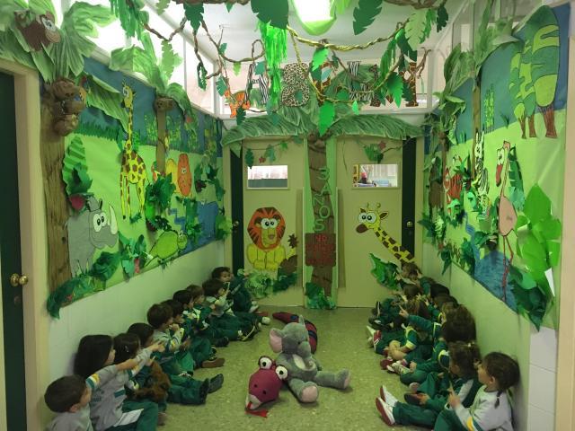 La selva colegio puertosol for Ideas decoracion navidad colegio